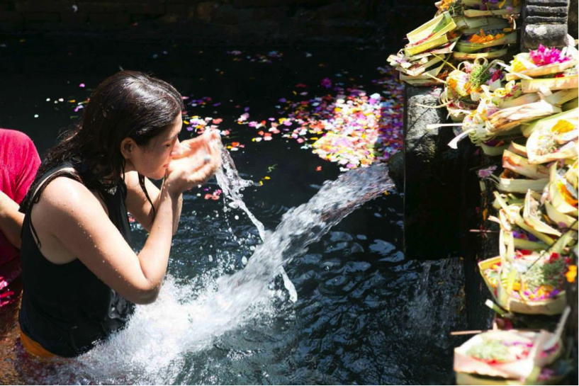 shalini-at-waterfall